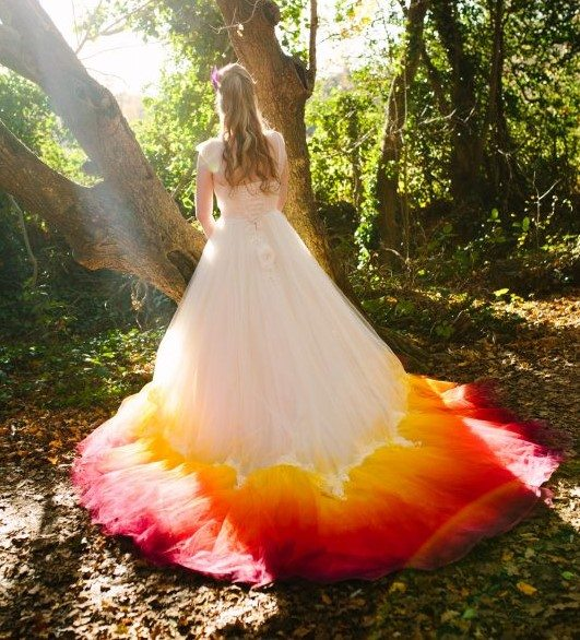 dcd700f631 THIS Dip-Dye Wedding Dress Is Catching Attention Everywhere